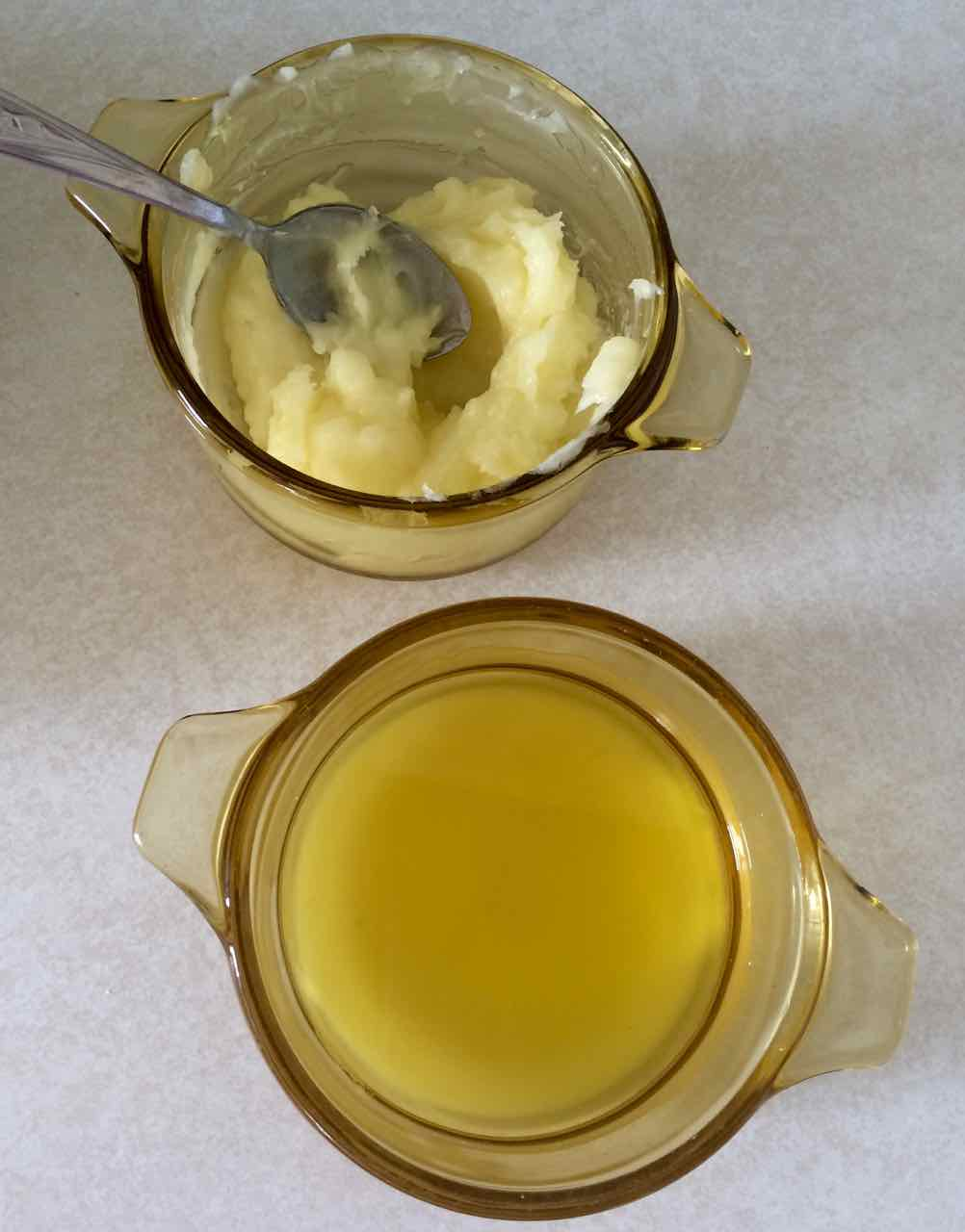 Top bowl is once it set. Bottom bowl is fresh from the pan/jar. It looked exactly like olive oil coming out and then turned to a nice, thick body butter.