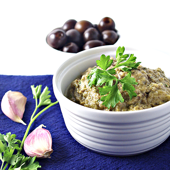 Olive Tapenade is a mouthwatering Mediterranean appetizer that is paleo and vegan! | spiritedandthensome.com