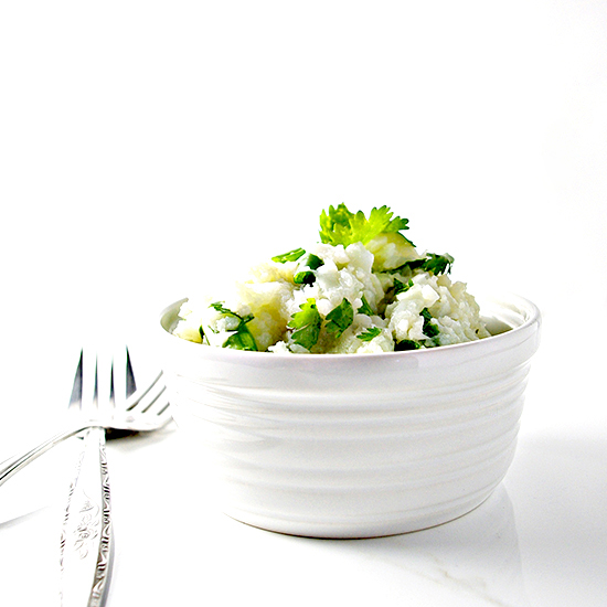 Seasoned Cauliflower Mashed Potatoes are palate and grain-free! | spiritedandthensome.com