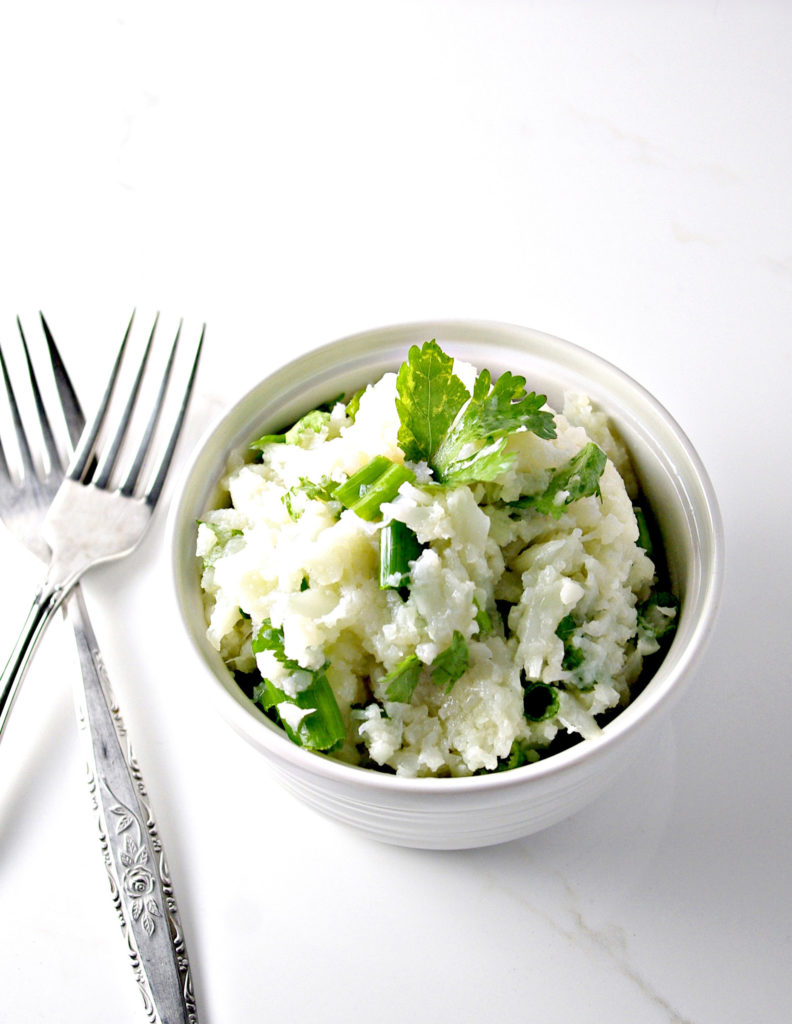 Paleo Seasoned Cauliflower Mashed Potatoes are super easy to prepare! | spiritedandthensome.com