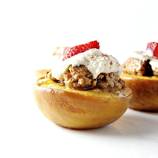 Dairy-Free Peaches and Cream Crumble with Cinnamon is super delicious!   spiritedandthensome.com