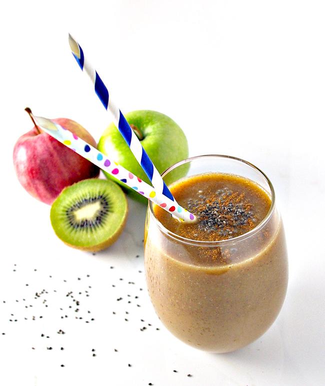 Kiwi Apple Cider is a cross between a smoothie, a bowl of applesauce, and a mug of cider!   spiritedandthensome.com