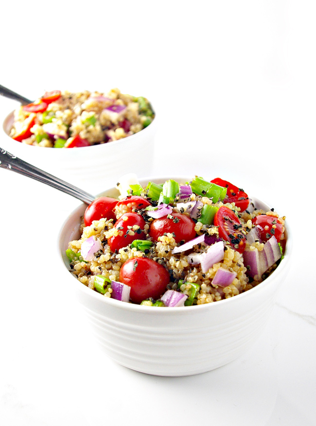 Herbed Veggie Quinoa Bowls are mouthwateringly delicious! | spiritedandthensome.com