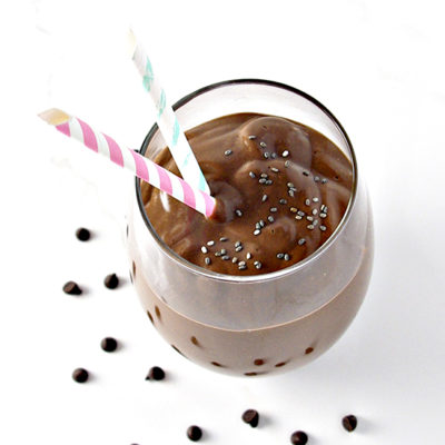 Single-Serving Chocolate Chia Smoothie is creamy AND dairy-free. A super fave for breakfast, lunch, snack, or dinner! | spiritedandthensome.com