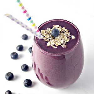 Blueberry Orange Oatmeal Smoothie is gluten-free, vegan, and contains just 4 ingredients! | spiritedandthensome.com