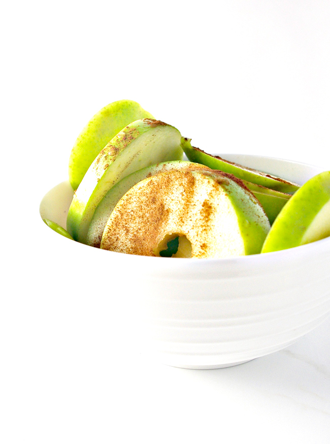 Granny Smith apples soaked in lemon juice and cinnamon are succulently delicious! | spiritedandthensome.com