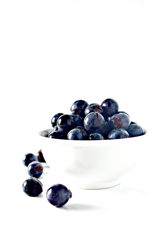 Fresh Concord Grapes are like CANDY! And they're perfect for Homemade Concord Grape Juice! | spiritedandthensome.com