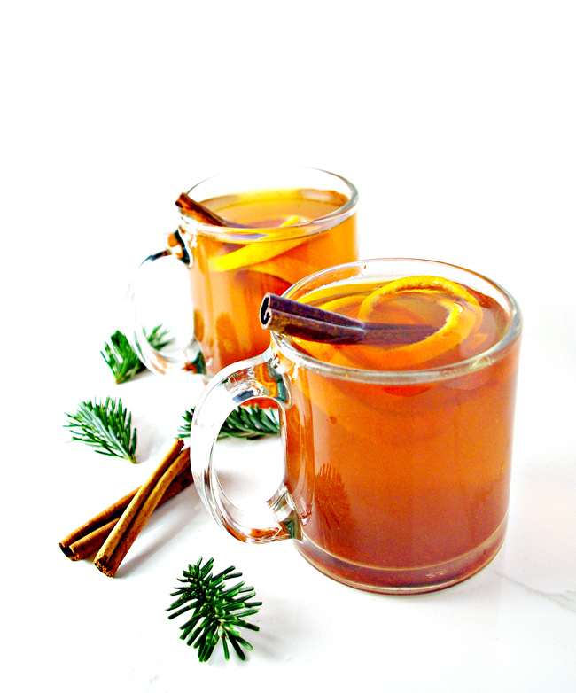 Cinnamon Orange Tea is the perfect single-serving comfort drink that pairs well with sweaters, woolen socks, and good book! | spiritedandthensome.com