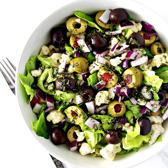 Italian Crunchy Cauliflower Salad is a delicious vegan and paleo salad recipe full of robust flavor!   spiritedandthensome.com