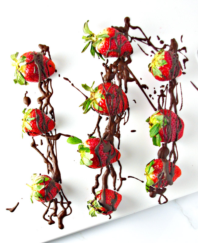 Drizzle or dip, it doesn't matter! Dairy-Free Chocolate-Dipped Strawberries are delicious! | spiritedandthensome.com