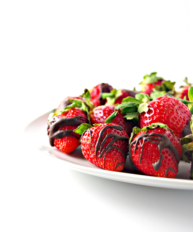 Dairy-Free Chocolate-Dipped Strawberries are vegan and gluten-free, easy on the budget, and super delicious! | spiritedandthensome.com