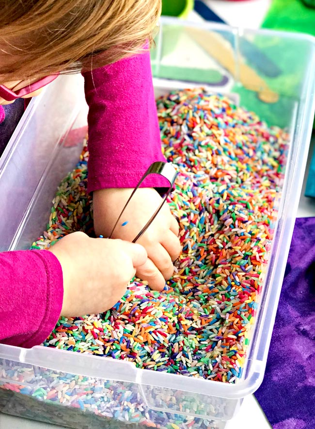 Sensory Play Ideas for Preschoolers keep busy fingers busy! | spiritedandthensome.com