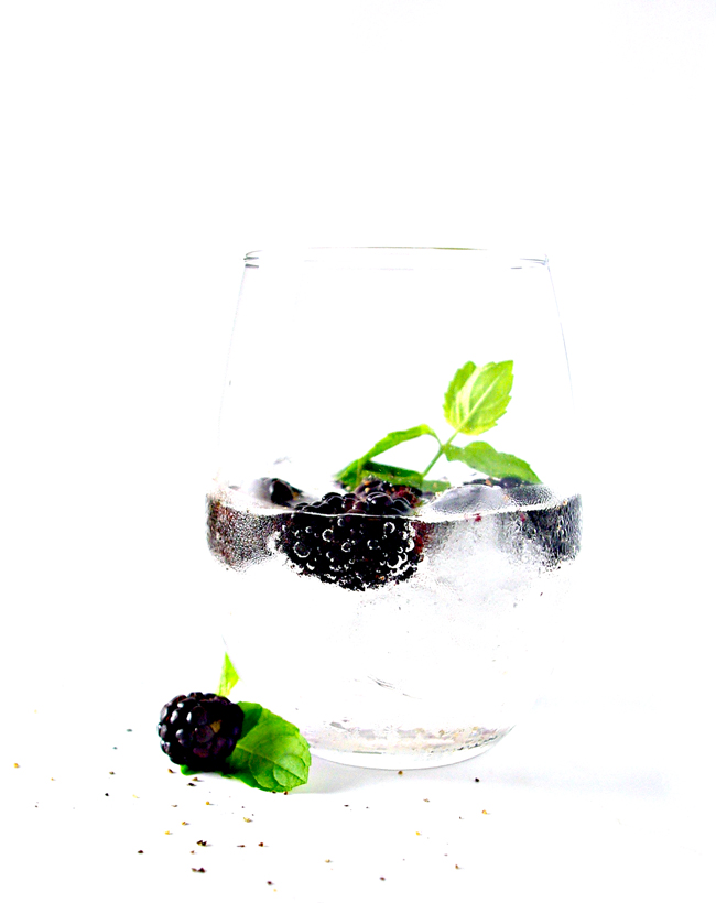 Blackberry Lemon Sparkling Water is refreshing, thirst-quenching, and refined sugar-free! | spiritedandthensome.com