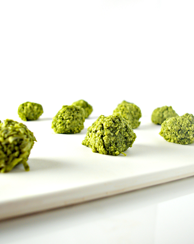 Matcha Energy Bites just waiting for a chocolate drizzle to complete this delectable vegan and paleo-friendly recipe! | spiritedandthensome.com