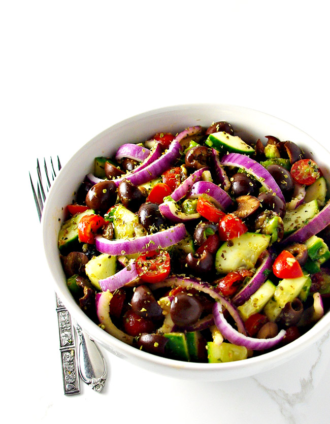 Shake up your salad routine with this mouthwatering Paleo Greek Salad! | spiritedandthensome.com