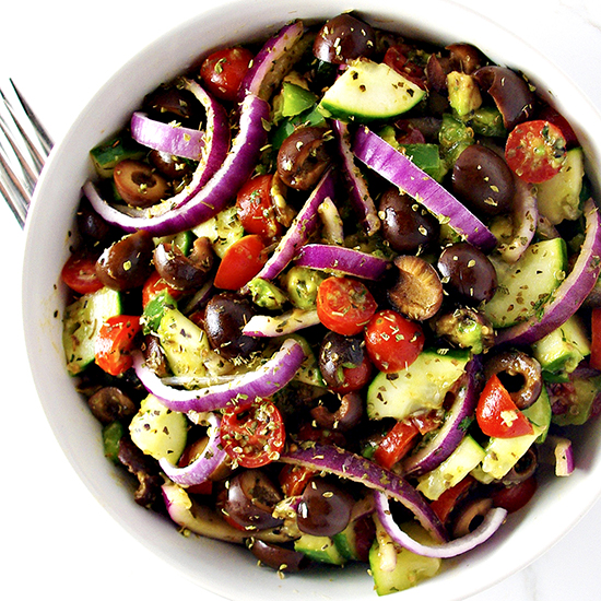 Ditch your boring salad routine with this mouthwatering Paleo Greek Salad recipe! | spiritedandthensome.com