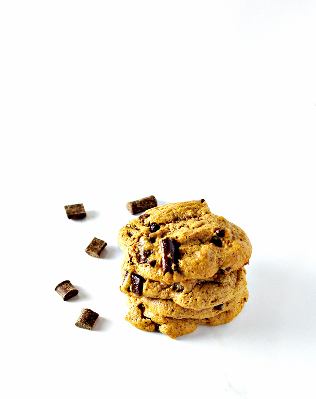 Chocolate Chunk Almond Butter Cookies are paleo, gluten-free, grain-free, dairy-free, and soy-free! | spiritedandthensome.com