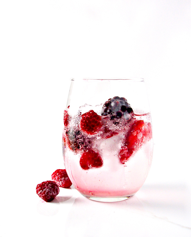 Mixed Berry Sparkling Water is thirst-quenching and gluten-free! | spiritedandthensome.com