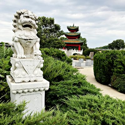 Entrance to Robert D Ray Asian Gardens in Des Moines, IA! | spiritedandthensome.com