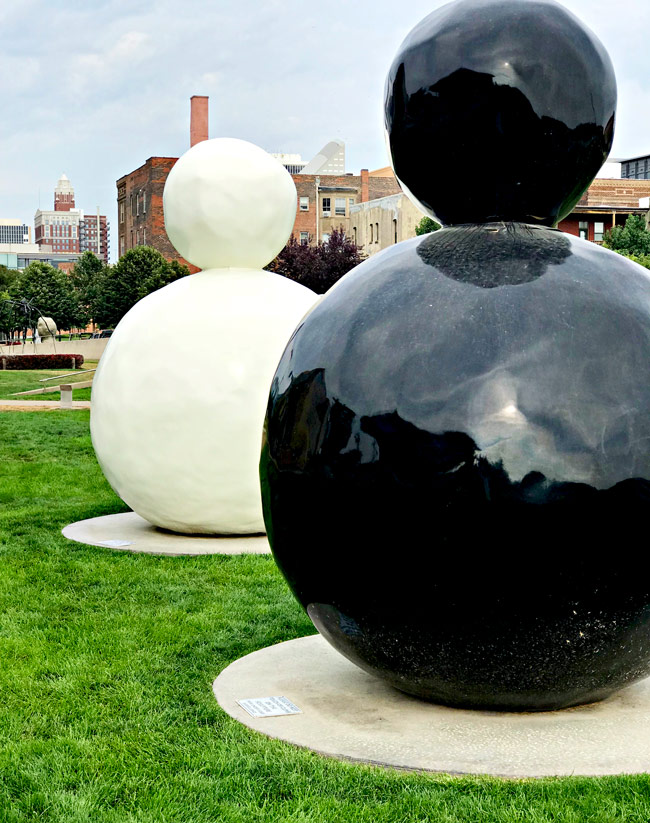 "John and Mary Pappajohn Sculpture Park ""Back of a Snowman"" in Des Moines, Iowa! 