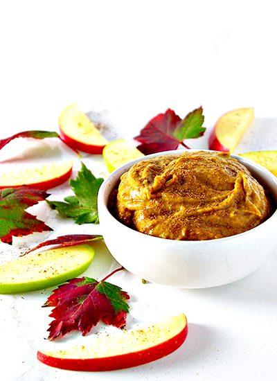 Paleo Pumpkin Pie Dip oozes delicious fall flavors like cinnamon and allspice! DF + GF + VG + Paleo! | spiritedandthensome.com