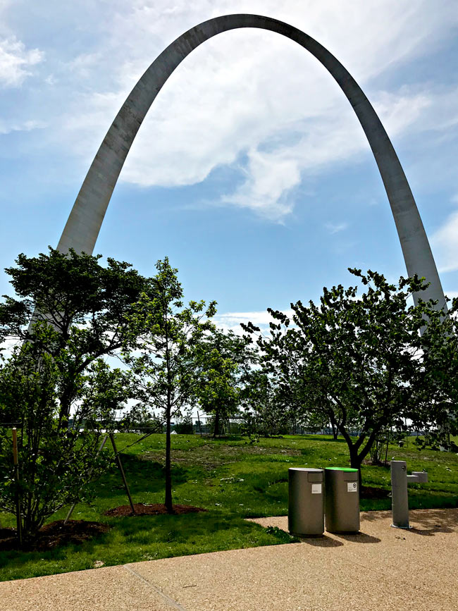 Gateway Arch in St. Louis, Missouri! | spiritedandthensome.com