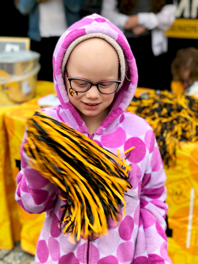 Toodle with a pompom at Pentacrest at University of Iowa Homecoming! | spiritedandthensome.com