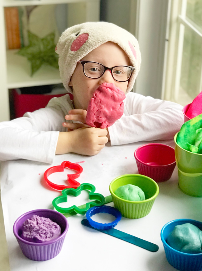 Toodle with her Gluten-Free Playdough recipe creation! | spiritedandthensome.com