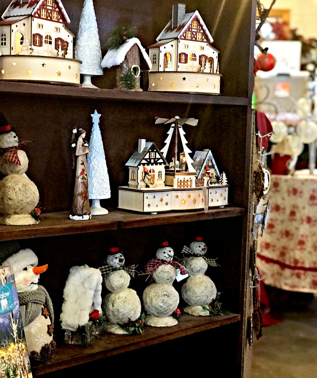 Craft store inside Santa's workshop at Howell Tree Farm! | spiritedandthensome.com
