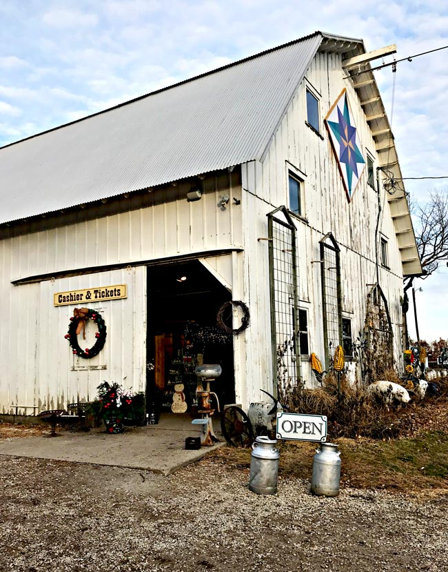 General Store barn and market at Howell Tree Farm! | spiritedandthensome.com