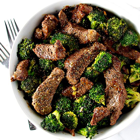 Gluten-free Broccoli Beef Stir-Fry is a deliciously easy paleo dinner recipe! | spiritedandthensome.com