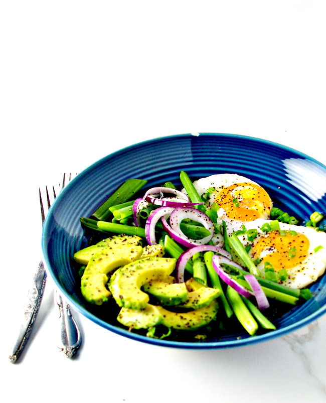 Dairy-free Sunny Side Up Eggs with Avocado is a healthy gluten-free dinner meal idea! | spiritedandthensome.com