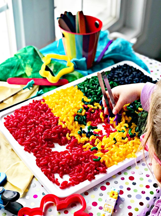 How to dye pasta for sensory play without tv! | spiritedandthensome.com