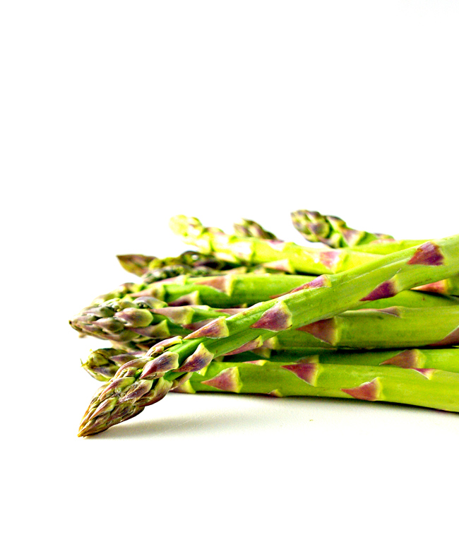 Fresh asparagus is so pretty! | spiritedandthensome.com
