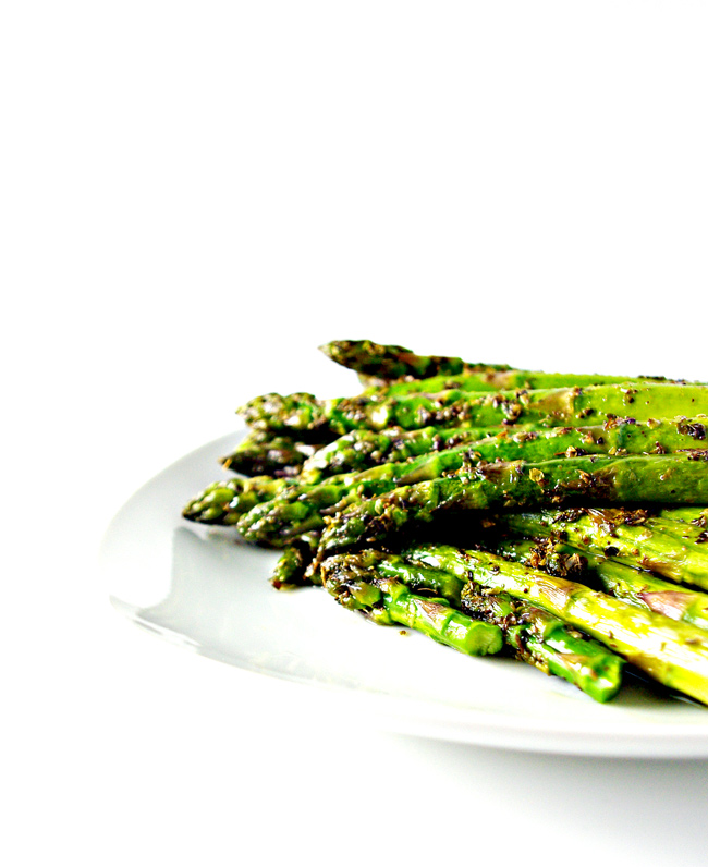 Sautéed Oregano Asparagus is a delicious gluten-free dinner recipe! | spiritedandthensome.com