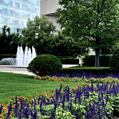 Gorgeous downtown gardens at the World Food Prize in Des Moines, Iowa! | spiritedandthensome.com