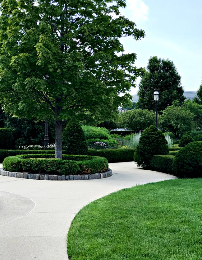 Walking paths at the World Food Prize in Des Moines, Iowa! | spiritedandthensome.com