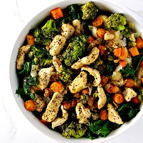 Chicken Kale Stir-Fry is a delicious, easy paleo dinner recipe that serves 4! | spiritedandthensome.com