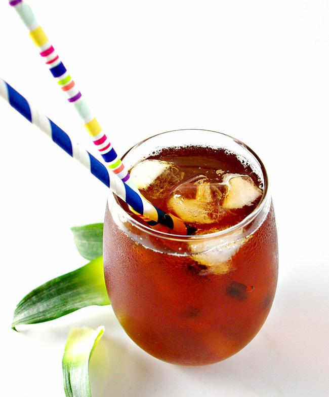 Homemade Pineapple Iced Tea is a delicious, tantalizing vegan beverage recipe! | spiritedandthensome.com