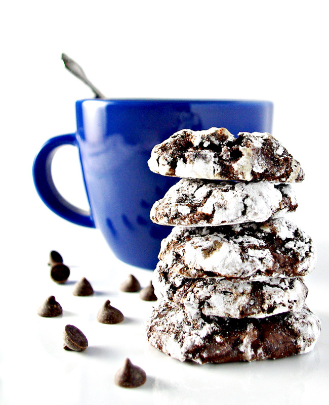 Grain-free Chocolate Chunk Crinkle Cookies are a melt-in-your-mouth chewy goodness cookie recipe! | spiritedandthensome.com