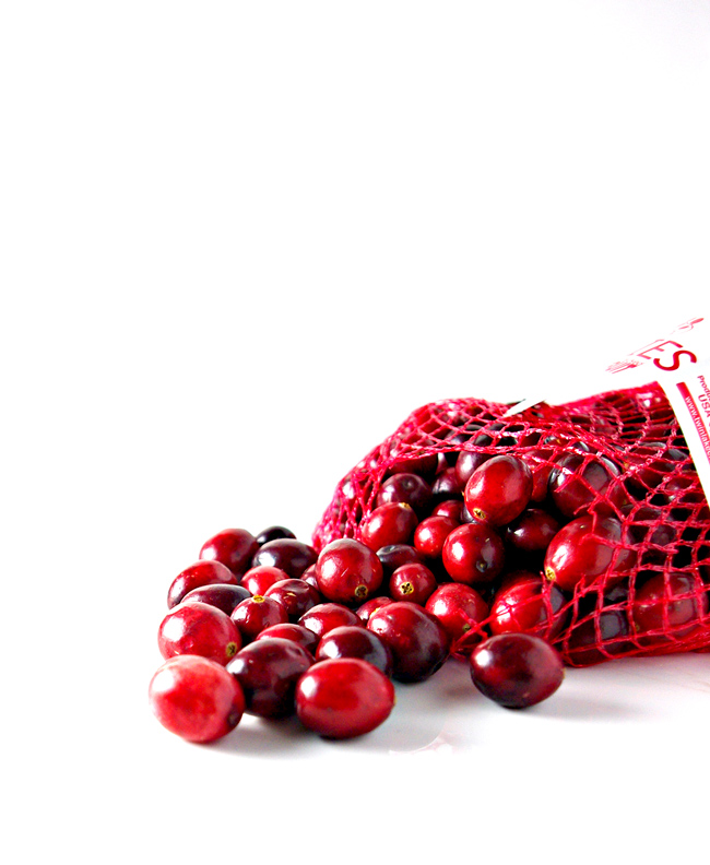 Fresh cranberries are perfect for a holiday cocktail recipe! | spiritedandthensome.com