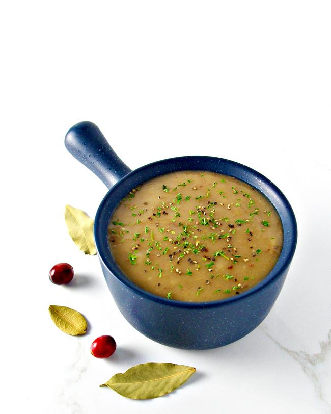 This Gluten-Free Gravy recipe is the perfect gravy for Thanksgiving dinner! | spiritedandthensome.com