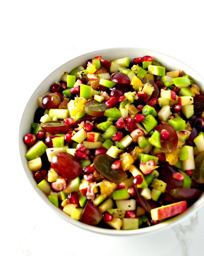 Winter Fruit Salsa is a healthy Thanksgiving appetizer recipe seasoned with cinnamon and agave nectar or honey! | spiritedandthensome.com