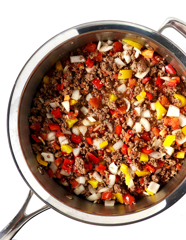 Ground beef with bell peppers and tomatoes makes for a tasty Homemade Paleo Chili recipe! | spiritedandthensome.com
