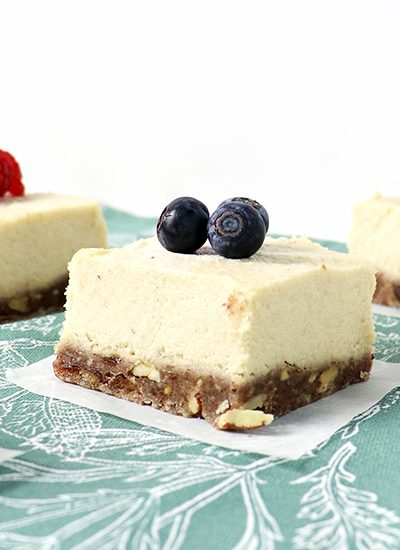 This No-Bake Lemon Vanilla Cheesecake is a vegan and gluten-free dessert recipe flavored with pecans, agave nectar, and dates! | spiritedandthensome.com