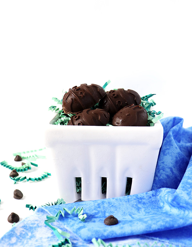 These vegan and gluten-free Chocolate Almond Butter Easter Eggs are a fun and delicious treat to make! | spiritedandthensome.com